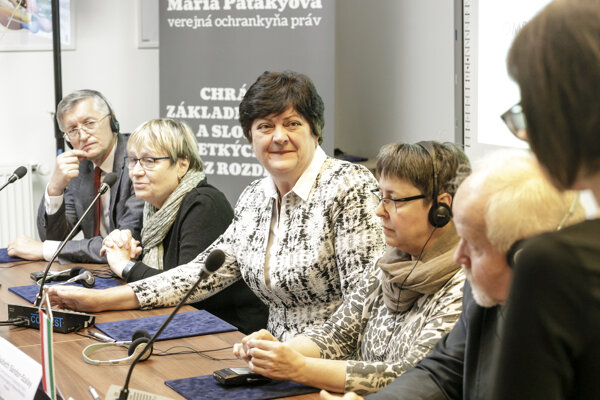 Slovak Ombudswoman Mária Patakyová meets a fellow ombudsman and ombudswomen from neighbouring countries in May 2019 in Bratislava.