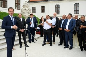 A commemorative event to pay tribute to the Roma Holocaust victims was held at Bratislava Castle. PM Igor Matovič spoke at the event.