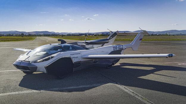 AirCar in flight mode