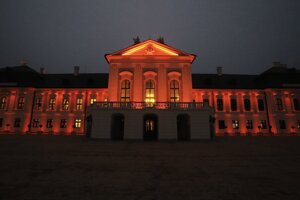 The Presidential Palace lit in orange, to support the Orange the world! campaign.