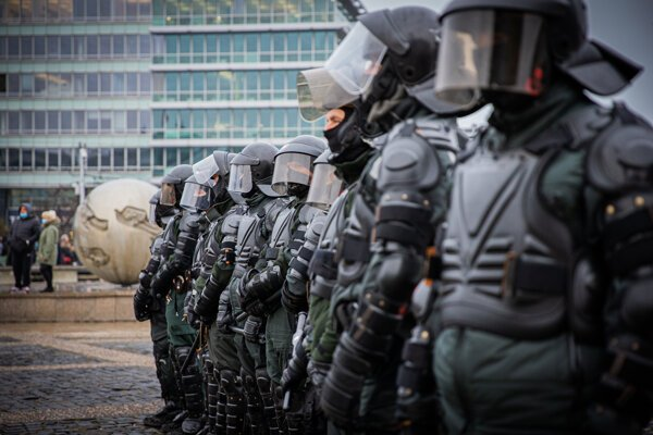 Police at the illegal protest on December 15, 2020, in Bratislava
