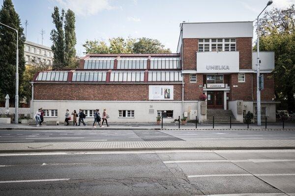 Umelka Gallery