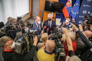 Defence Minister Jaroslav Naď and Foreign Affairs Minister Ivan Korčok after the press conference
