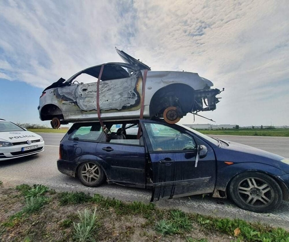 A car near Trnava was transporting a wreck of another car on its roof.