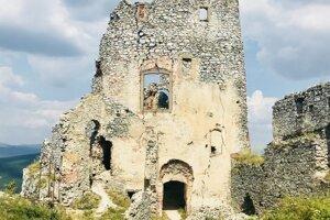Gýmeš Castle
