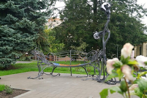 The Bench of Love has been installed in the Kysucké Nové Mesto town, northern Slovakia.