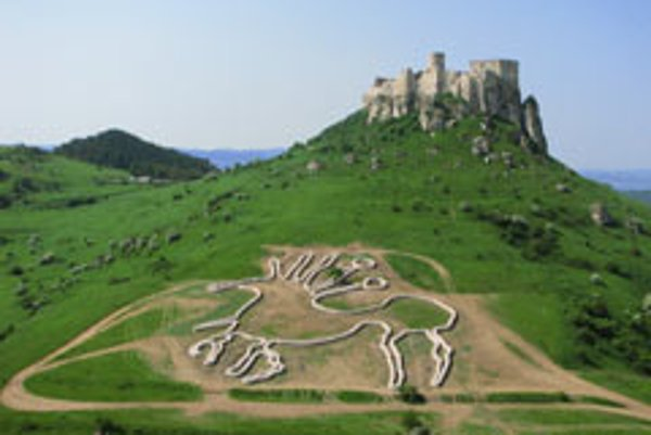 This geoglyph below Spiš Castle copies the image on a Celtic coin found during excavations at the casstle.