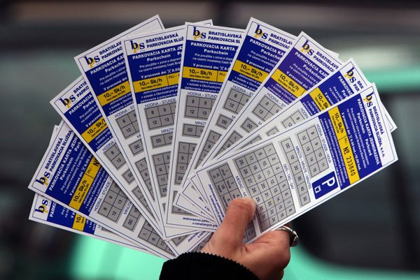 Drivers can pay for parking with scratch-cards or via mobiles.