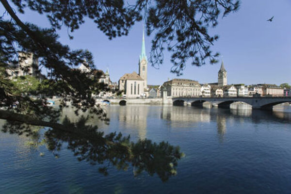 River Limmat and the Minster bridge in Zurich.