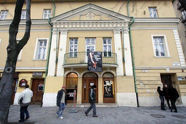 The Mladosť cinema.