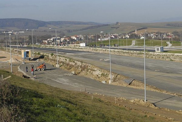 Slovakia needs to compelete its highway network connecting east with west