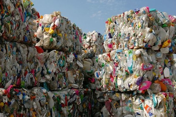Municipalities will need to separate more waste, beginning in 2010.