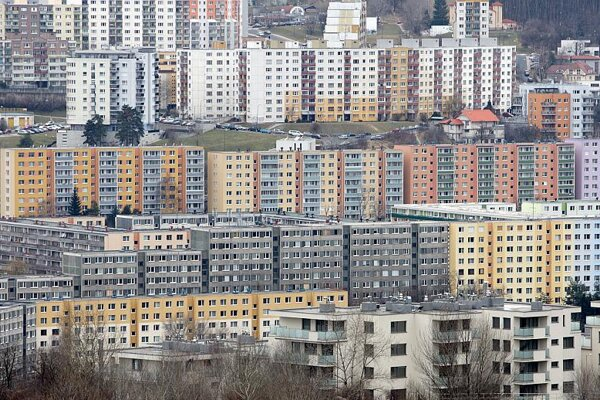 Bratislava City Council lacks substitute apartments.