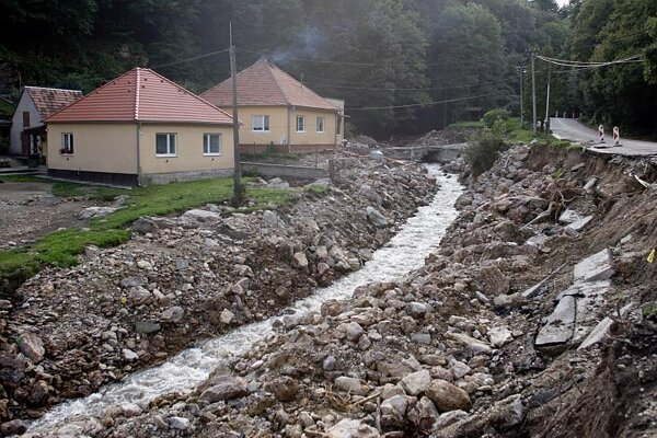 Píla, one month after heavy rain and floods damaged the village.