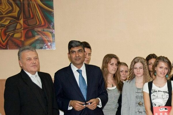 Ambassador Misra (second left).