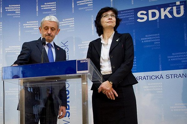Old and new? The present and possible future leader of the SDKÚ, Mikuláš Dzurinda and Lucia Žitňanská.
