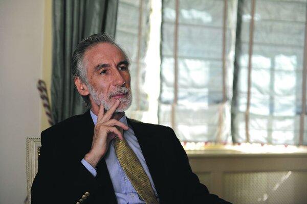 Ambassador Joao Luís Niza Pinheiro