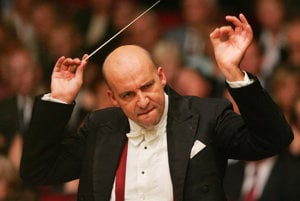 Emanuel Villaume ends his term as chief conductor of Slovak Philharmonics with four concerts.
