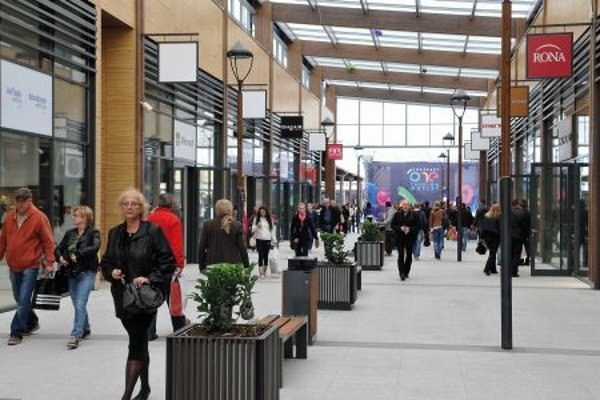 A new fashion outlet centre in Voderady attracted 45,000 visitors during the opening week.