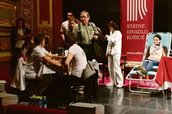 The Košice theatre hosts a blood drive.