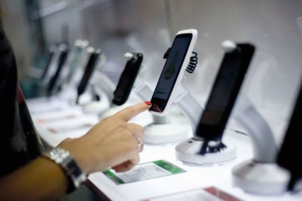Many people use smartphones to shop.