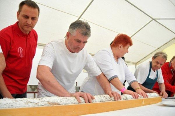 "Trdlofest in Skalica with the longest ""trdelník"" cake."