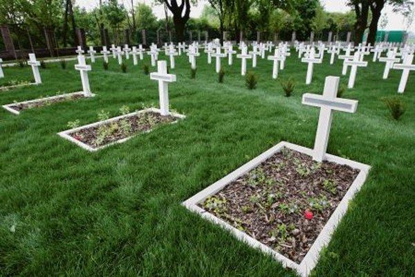 Cemetery ofWWIvictims in Petržalka.