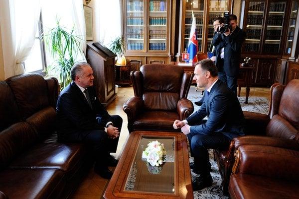 President Andrej Kiska (l) and Health Minister Viliam Čislák (r)
