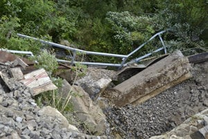 Detial of the collapsed bridge