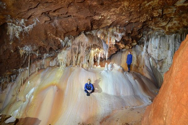 The unique decoration of the newly discovered parts of the Gombasecká Cave