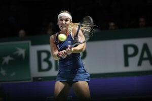 WTA Tour Singapore, Dominika Cobulková in match against Germany's Kerber.