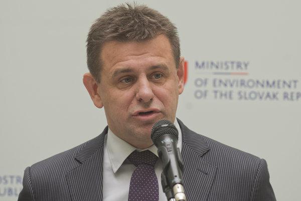 Environment Minister László Solymos