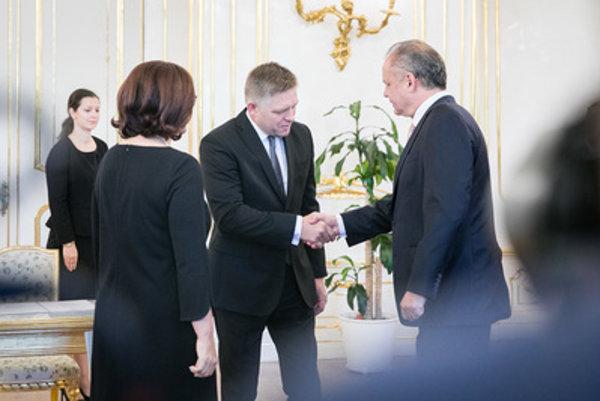 PM Robert Fico (C) and President Andrej Kiska (R)