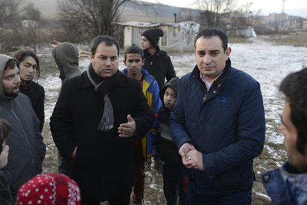 Government Proxy for Roma Community Peter Pollák (right) with Luník IX mayor Marcel Šaňa (left).