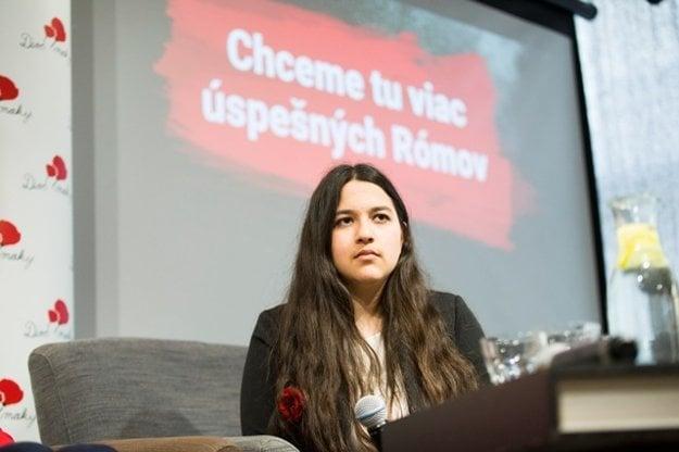 Dominika Csizmárová