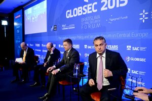 L-R OECD Secretary General Angel Gurría, Czech PM Bohuslav Sobotka, Slovak PM Robert Fico and Hungarian PM Viktor Orbán at the Dynamic Visegrad panel (with Gurria) at GLOBSEC, June 19.