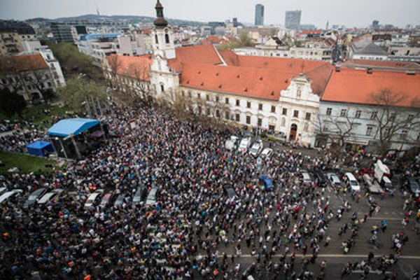 Murder of Ján Kuciak and his fiancée Martina Kušnírová drew thousands to the squares