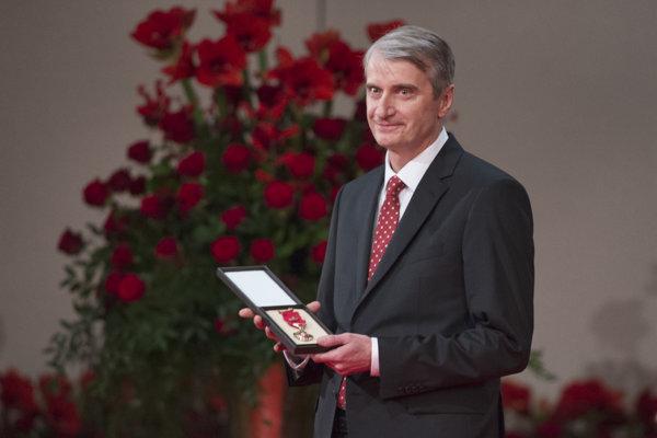 Chemist Robert Mistrík received an award form president Andrej Kiska on January 1, 2018.
