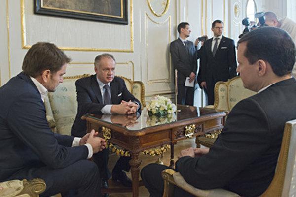 President Andrej Kiska (C) meets (L-R) I. Matovič and D. Lipšic (OĽaNO-NOVA) March 7.