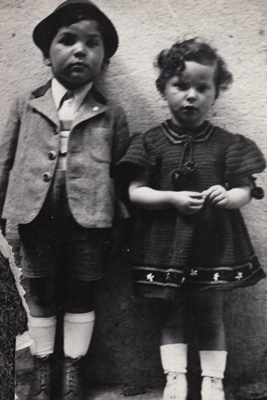 Karol Natan Steiner with his sister Alica.