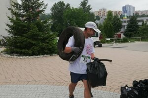During so-called plogging, volunteers collected garbage while running in Nitrianska Borinka,