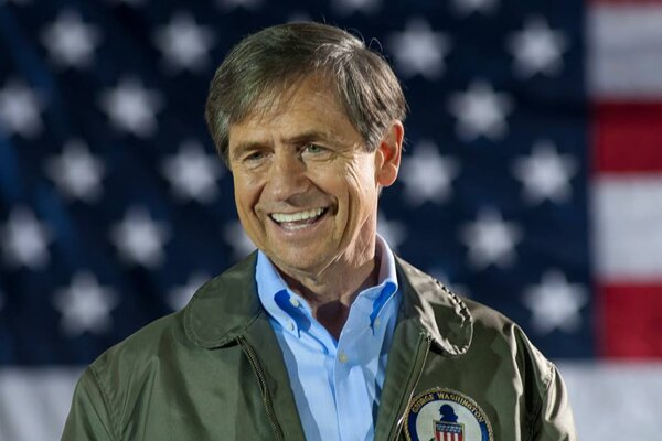 The three-star US Admiral Joe Sestak, who has Slovak roots, is the 25th Democratic candidate for US President.