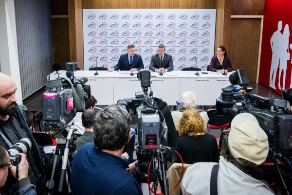 Robert Fico (l) and Peter Pellegrini announced okaying joining of the governing coalition as well as ministerial nominations.