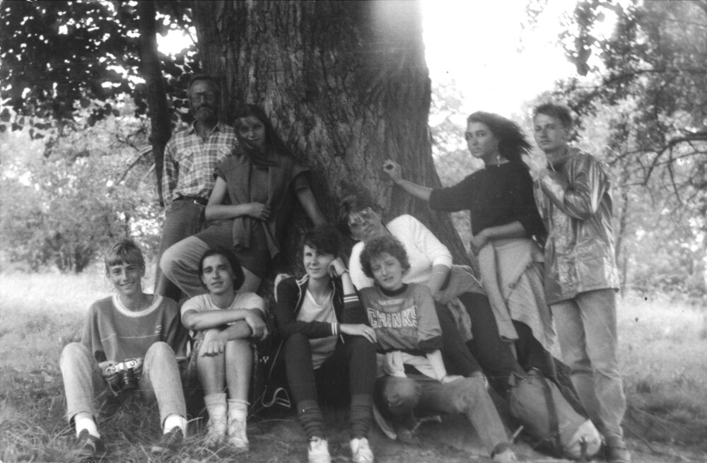 Jana Plulíková visits the Orava Region with her friends in 1987 (second from left)
