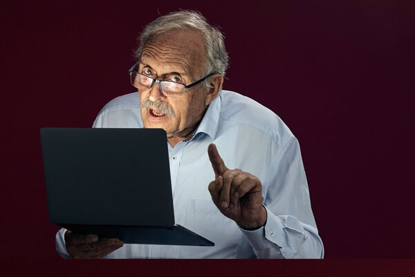 The educational campaign Staroba sa nás dotýka (Old Age Touches Everyone) warns seniors citizens in Slovakia against online threats and disinformation
