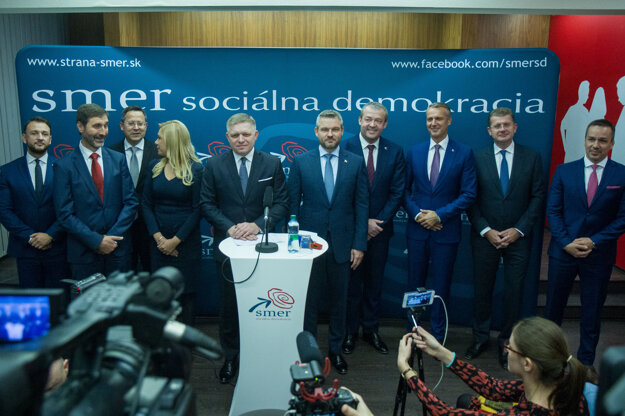 Smer candidates: Robert Fico and Peter Pellegrini in the middle