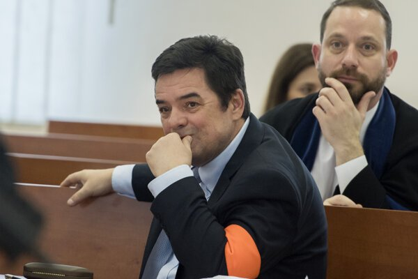 Marian Kočner and his lawyer Marek Para (in the background).