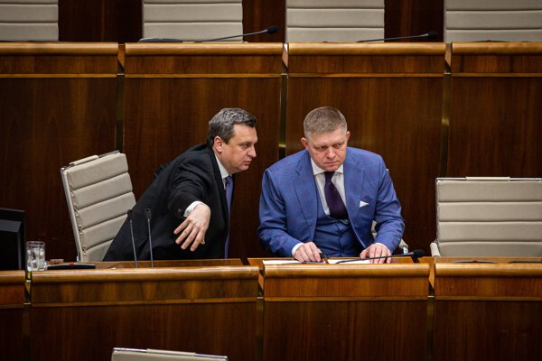 Speaker of Parliament and SNS chair Andrej Danko (l) and Smer chair Robert Fico (r)