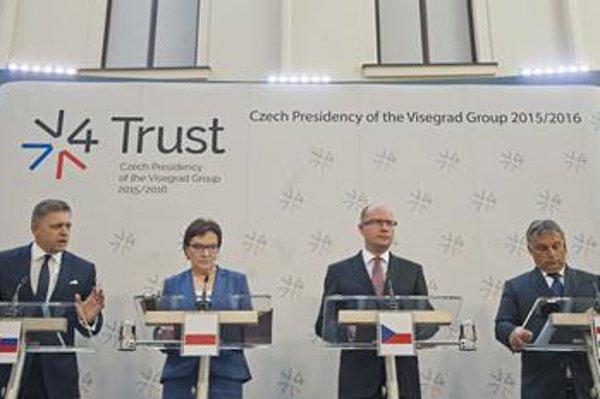 V4 Prime Ministers: (R-L) Viktor Orbán-Hungary; Bohuslav Sobotka-Czech Republic; Ewa Kopaczová-Poland; and Robert Fico, after the V4 summit.