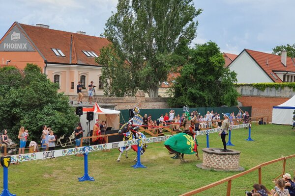 Knight tournament on horses started in Trnava on June 13.